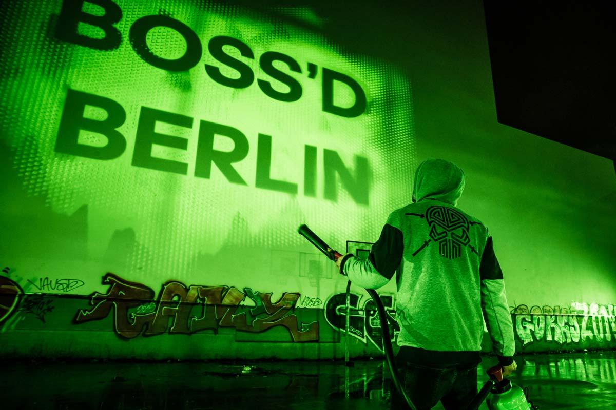 Für adidas entwickelte CROMATICS mit intolight einen digitalen Feuerlöscher für die Bolzplätze in Berlin.