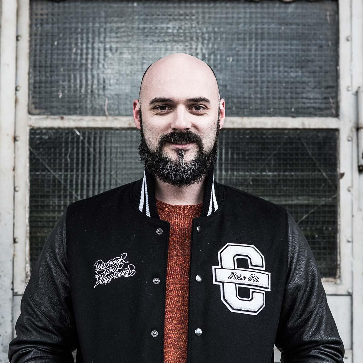 Alexander Hilsky von CROMATICS aus Dresden, Markendesigner und Geschäftsführer der GmbH