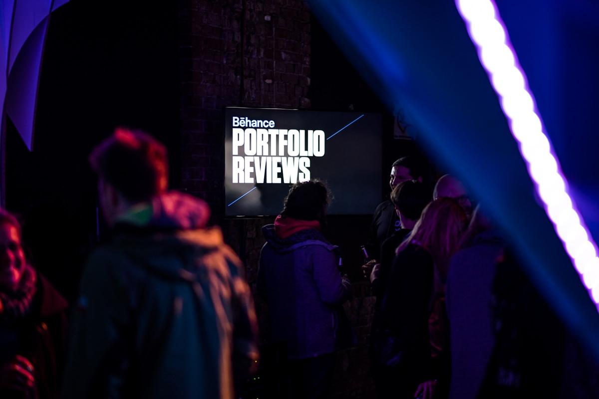 Nach den Vorträgen konnten die Gäste sich Behance Portfolios von Kreativen aus der Region anschauen.