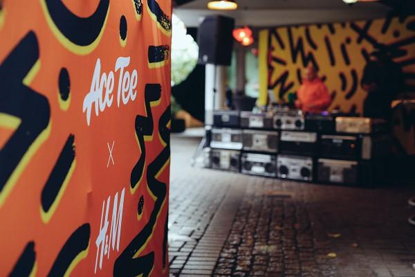 Das Rap Battle wurded Ace Tee und H&M stylisch aufgewertet.