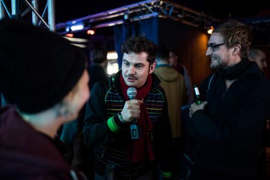Mario interviewte die Gäste für den Dokumentationsfilm.