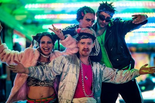Die 90er Gang mischte die Menge auf.