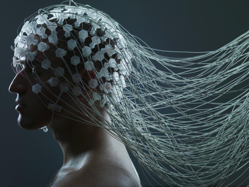 Das Gehirn ist vernetzt mit dem Internet. So kann die Tausch dein Leben Experience gesteigert werden.