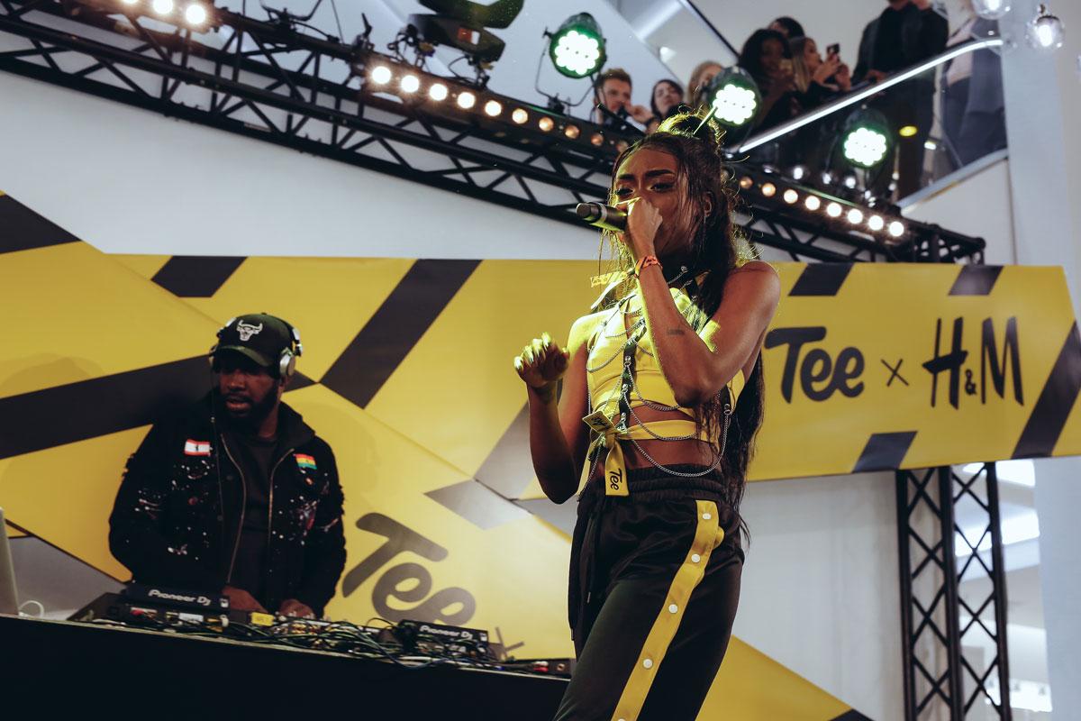 Ace Tee begeisterte die Fans im Hamburger Flagship Store.