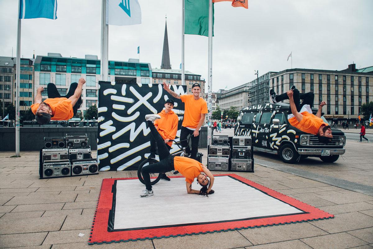 Die Breakdance Gruppe zeigten den Passanten ihre Skills.