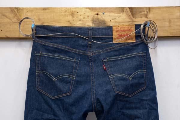 Auch die kleinen Ding, wie diese LEVIS Jeans können eine Szene gestalten und aufwerten. CROMATICS liebt Details.