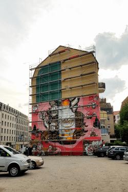 Der Wandel vom alten zum neuen Mural ist ersichtlich.