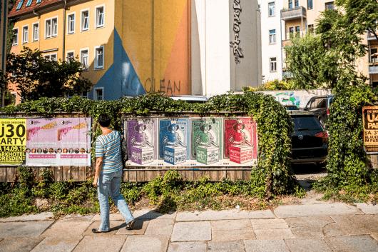 Mit einer Plakatkampagne wird die Botschaft in die ganze Stadt getragen.