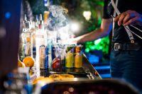 Neue Cocktails braucht das Land! Und die Bar neue Red Bull Getränke.