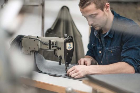 Die Taschen werden genäht bei Ruttloff Garments.