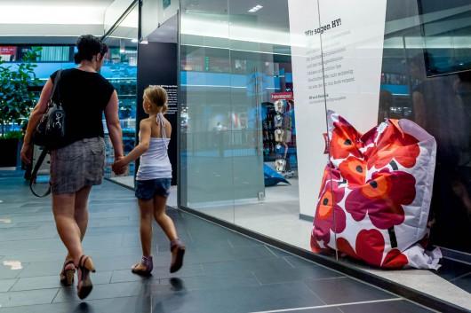 Der Hy! Pop Up Store in Dresden wird im Rahmen eines Events von CROMATICS eröffnet.