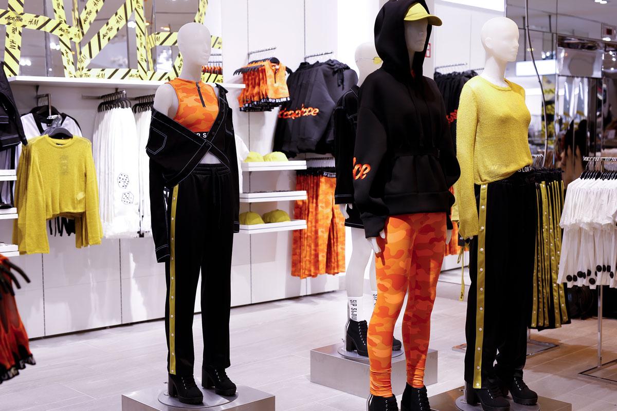 Die Kollektion von Ace Tee und H&M wurde im Store gezeigt.
