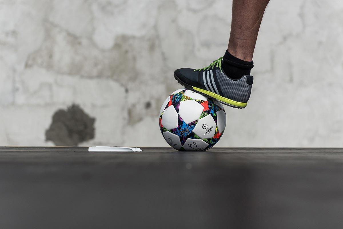 Der offizielle Ball der UEFA Champions League 2015. Alle Gäste konnten die neuen Schuhe und ihr Ballgefühl testen.