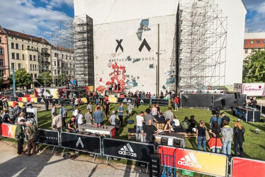Für adidas war CROMATICS in Berlin und startete mit dem Day of Change die neue Kampagne.