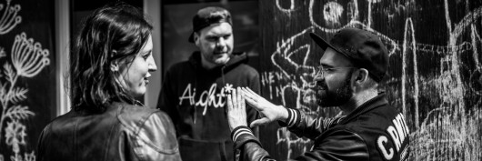 Anja, Andreas und Eric besprechen die neuesten Graffiti-Trends in Berlin.