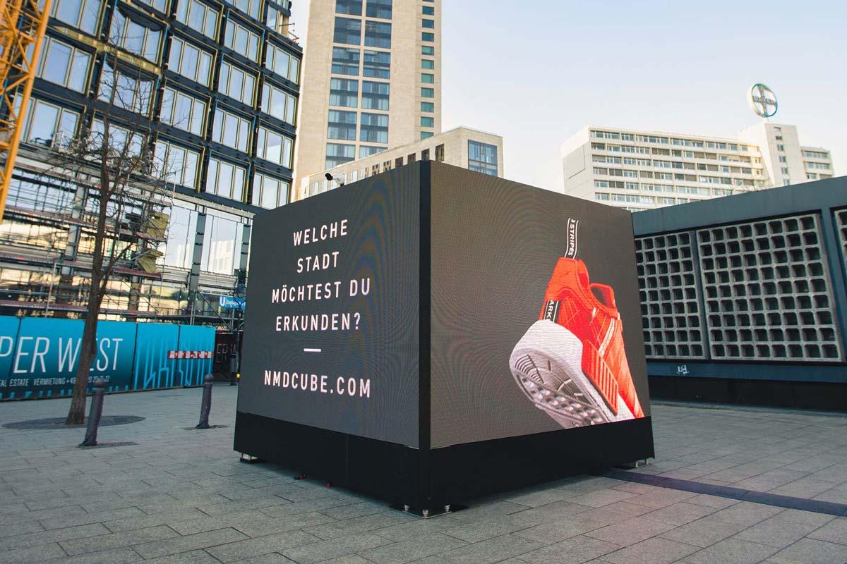 Der NMD Cube von adidas ist in Berlin angekommen. Er verbindet Städte in ganz Europa. CROMATICS war als Locationscouter dabei.