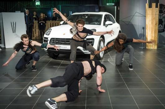 Macan ist wild und auch das Programm zeigte außergewöhnliche Breakdance Einlagen. Ein rundum gelungener Event.
