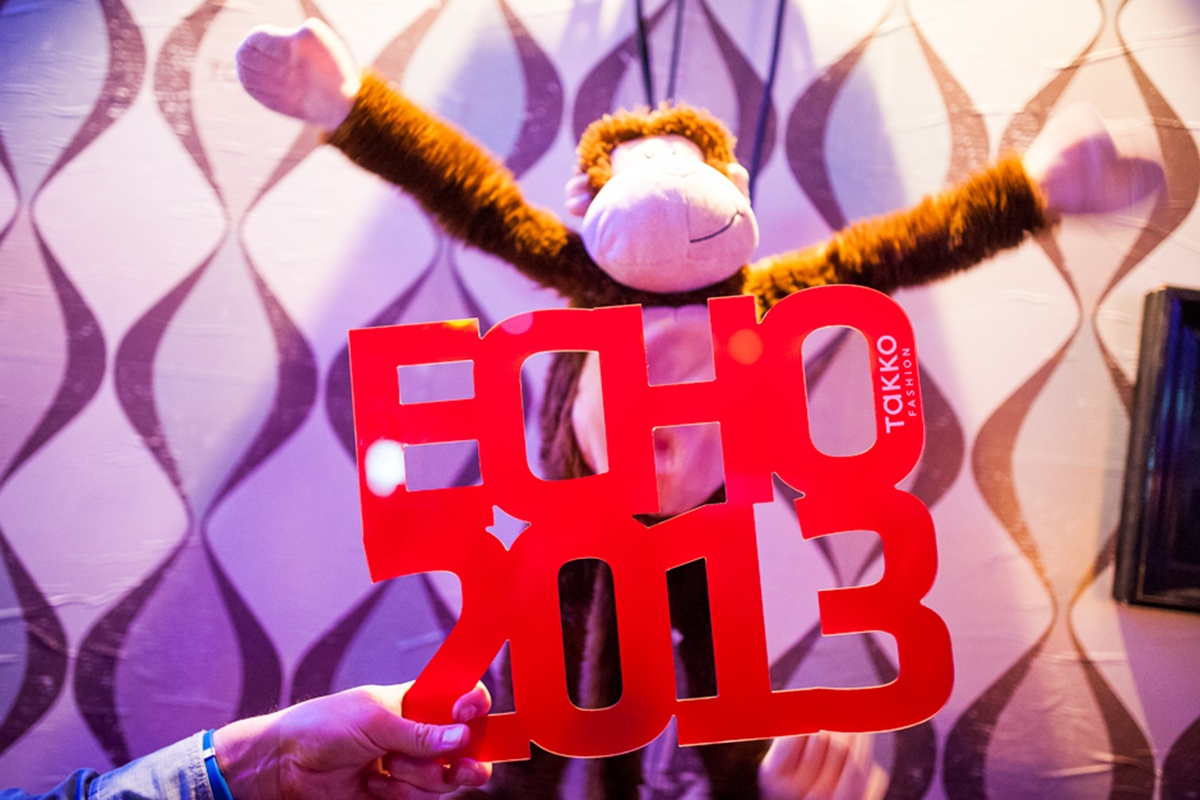 Monkey Business war das Thema von CROMATICS und Takko.