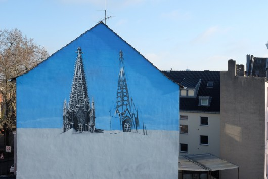"""Die Crew """"Weiße Seite"""" hat für CROMATICS in Köln Farbe an die Wand gebracht."""