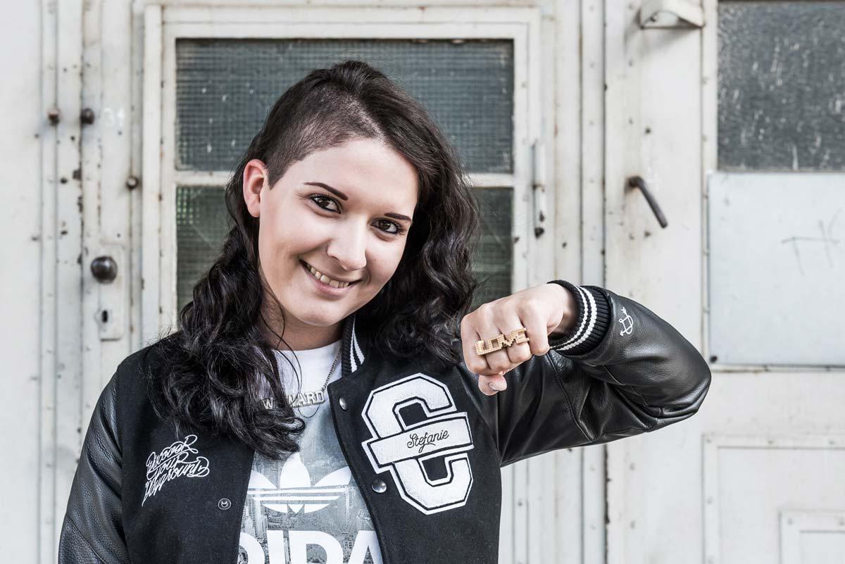 Die Kreation besitzt ein Talent mehr. Stefanie Zuniga Chongo unterstützt das Team CROMATICS und CROMATICS.media.