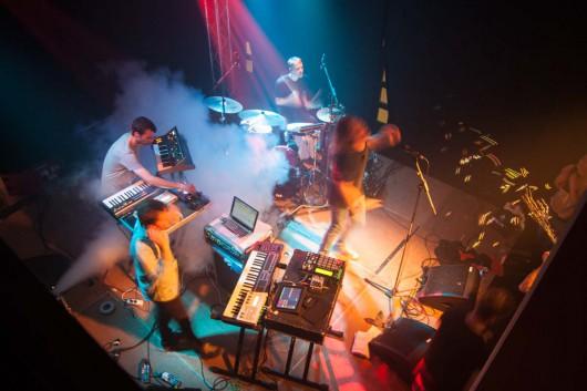 Live Musik von The Hundreds und When Saints Go Machine auf dem Event von CROMATICS und Levis.