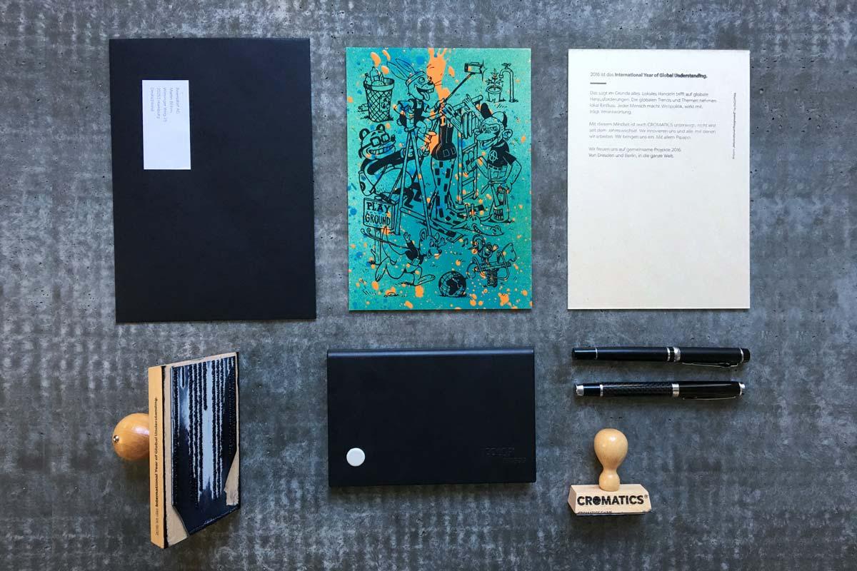 Die fertigen Neujahrskarten zum #IYGU sind versandbereit. Graffiti, Siebdruck und Stempel.