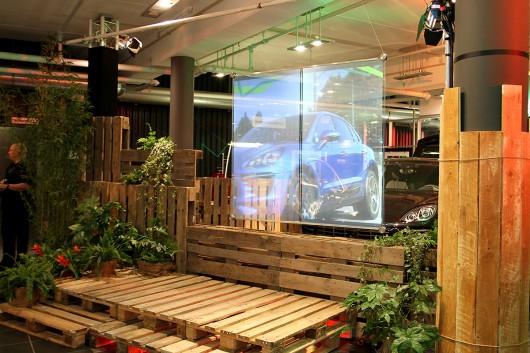 Aus einfachen Materialien gestalteten wir die Eventlocation und verbanden damit Urbanes mit dem Wilden der Natur.