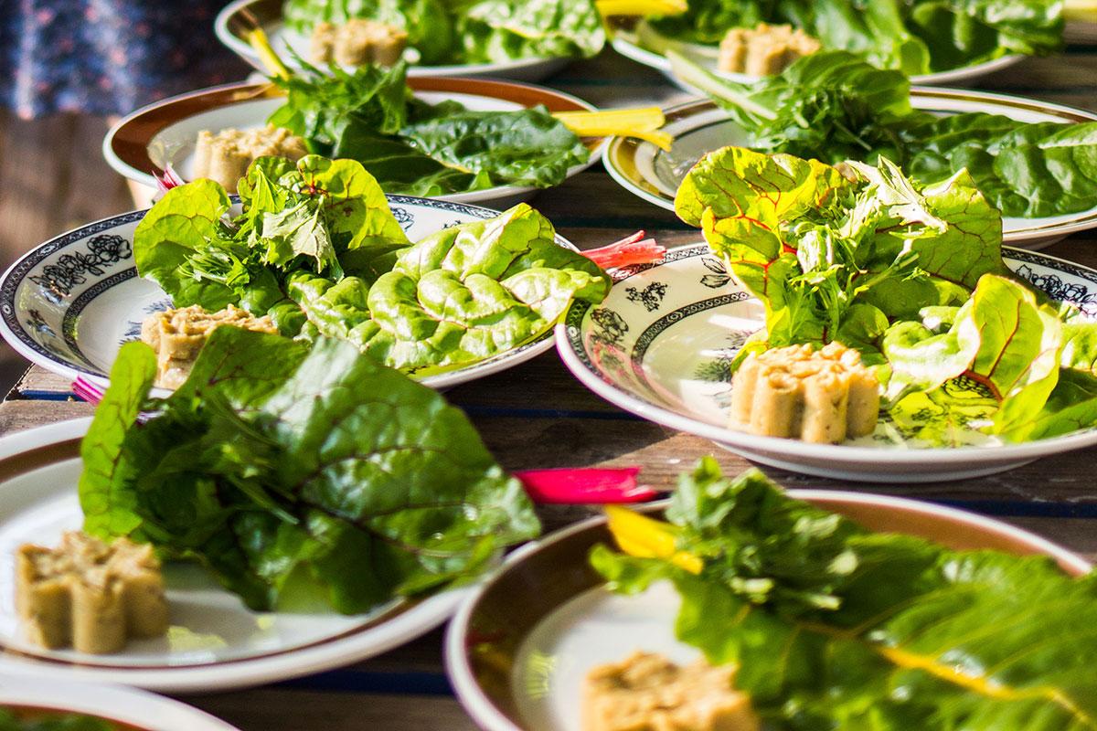 Immer frische und regionale Produkte werden bei heldenküche aufgetischt und liebevoll angerichtet.