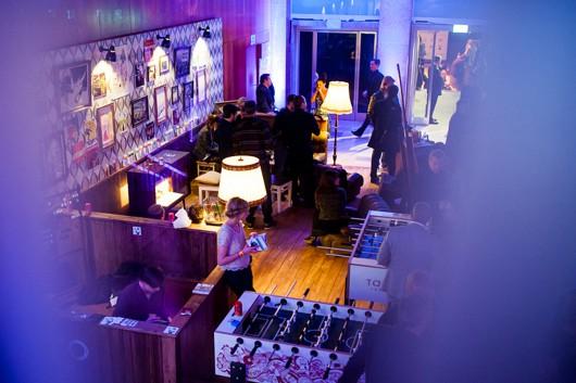 Für Takko Fashion durfte CROMATICS eine Lounge auf dem Echo 2013 bauen. Künstler aus dem Künstlerportfolio waren dabei.
