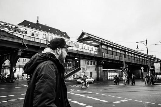 Eric ist der Mann für die Location und Wand Scouts. So lernt man Berlin mit Leichtigkeit kennen.