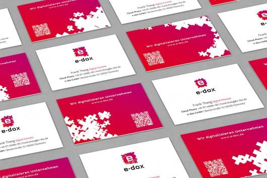 Für e-dox entwickelten CROMATICS Visitenkarten im neuen Markendesign.