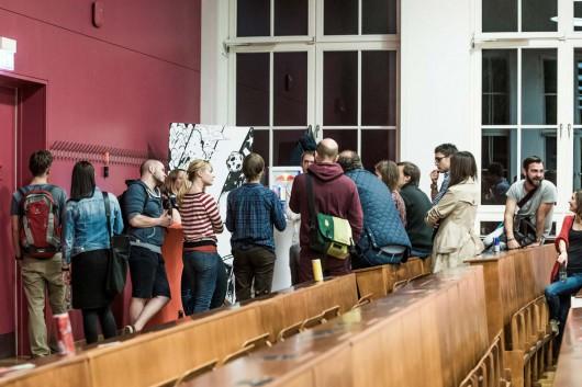 Zukunftsstadt 2030, das Thema, das auch auf der 99U Local diskutiert wird. Künstler von CROMATICS halten die Diskussionen auf Leinwänden fest. Relationship Playgrounds entstehen.